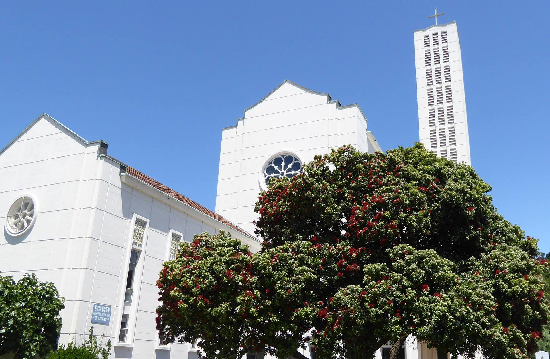 Waiapu Cathedral outside building